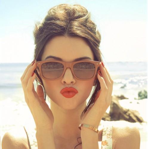 Солнцезащитные очки помогут избежать