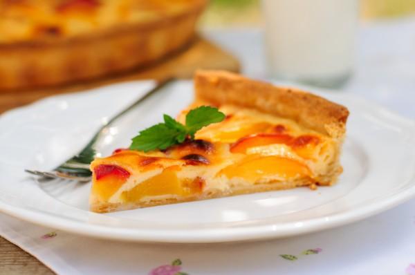 Пирог с персиками: Три вкусные идеи для летнего лакомства