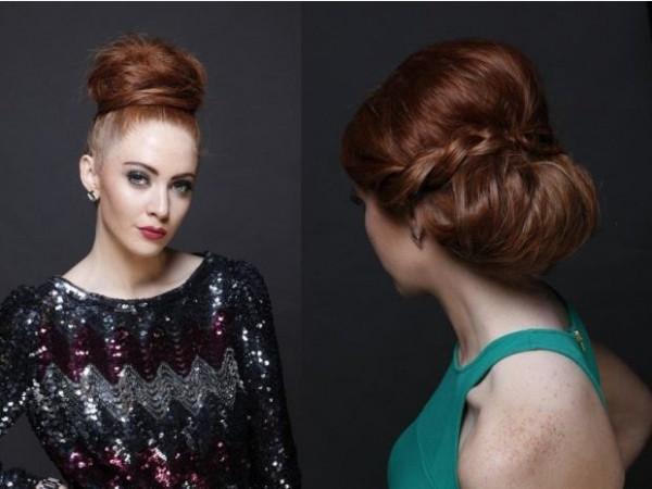 Пышный пучок можно украсить косой или необычным украшением
