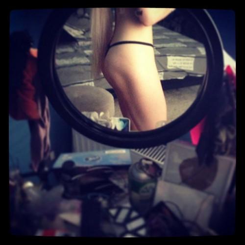 Откровенное фото Одесской Барби удалили из соцсети