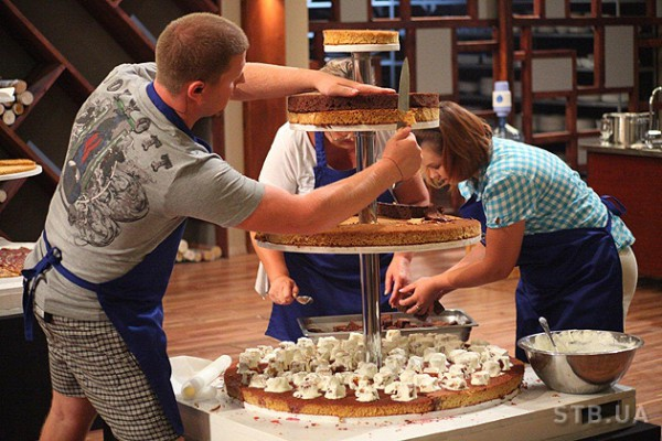 МастерШеф 2: В этот раз участникики готовили торт