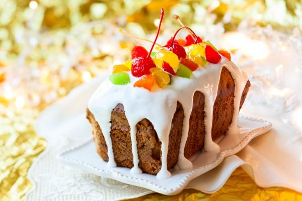 Рождественский кекс с орехами и фруктами