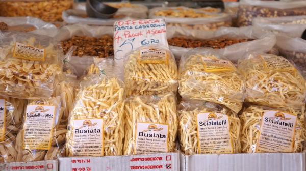 Итальянская паста готовится из твердых сортов пшеницы.