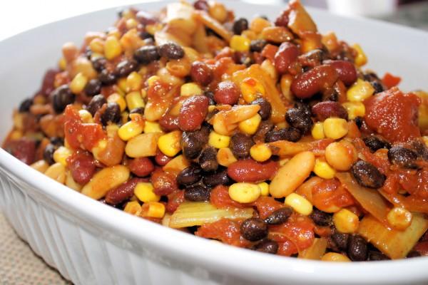 Постный рецепт: макароны с кукурузой и фасолью
