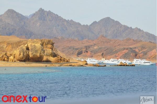 Египет – это живописные пейзажи, лазурное море и, конечно, золотой песок
