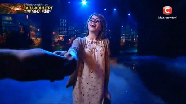 Х-фактор 7 сезон суперфинал: Руслана пела в лодке с волшебным кроликом