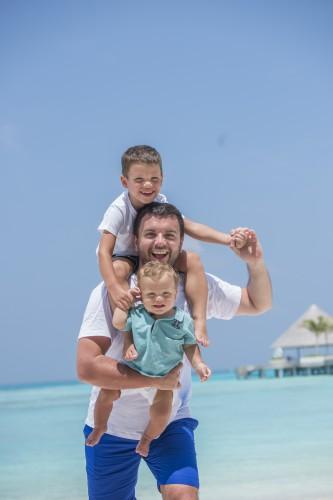 Григорий Решетник с сыновьями фото