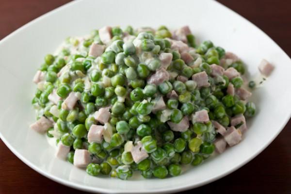 Рецепт                  Салат из ветчины и зеленого горошка