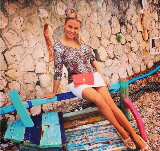 Анну Семенович знает каждый житель нашей страны, известность которой принесли...