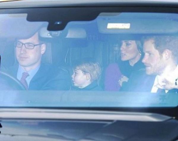 Начем приехала королевская семья нарождественский ланч
