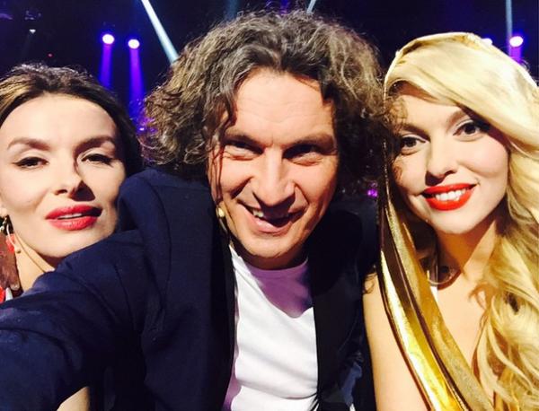 Жюри шоу Співай як зірка: Надежда Мейхер (слева), Кузьма Скрябин, Оля Полякова (справа)