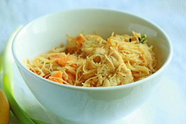 Рецепт                  Рисовая лапша с курицей и овощами