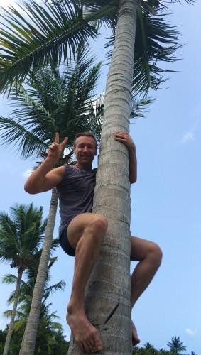 Олег Винник на пальме