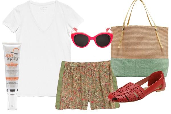 Легкие шорты, солнечные очки, плетеная сумка, белая футболка – и твой пляжный образ готов!