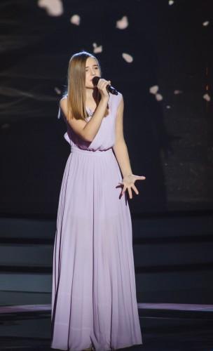 Участница из Нововолынска Катя Рыбак покорила всех звездных тренеров своим проникновенным исполнением песни