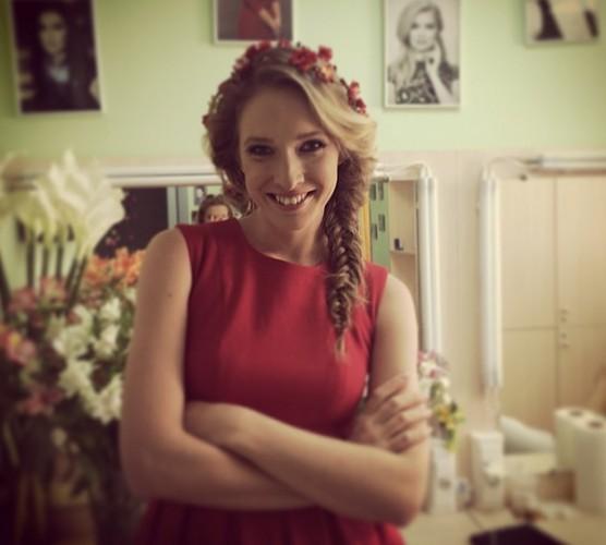 Катя Осадчая показала фото в купальнике