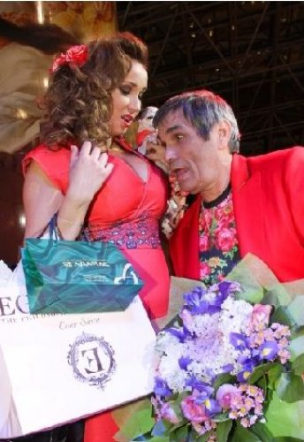 Анфиса Чехова вышла в Свет в откровенном платье