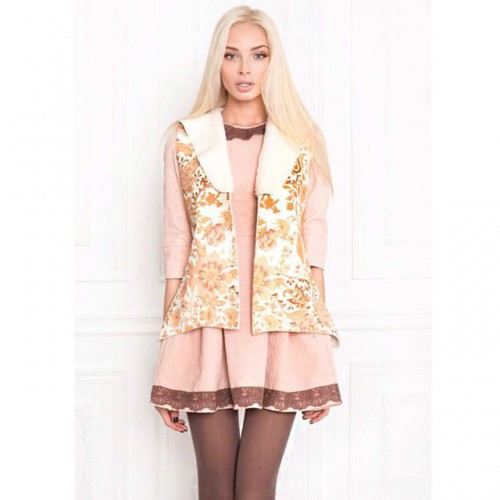 Девушка Тимати стала лицом новой коллекции российского дизайнера