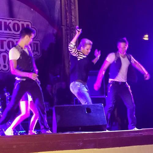 Анна Семенович упала на сцене