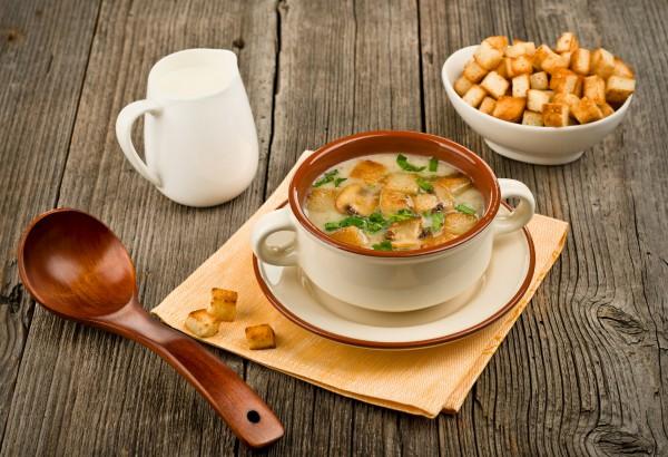 Рецепт                  Крем-суп из шампиньонов с чесночными гренками
