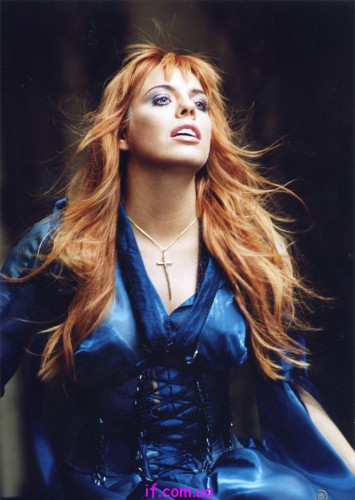 Поклонники певицы считают ее молодой и красивой