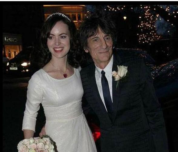 Гитарист Rolling Stones женился