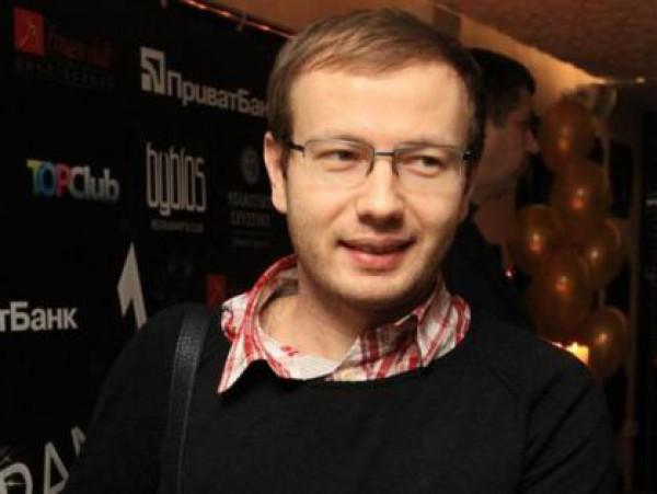 Денис Повалий готовит невесте карьеру в политике