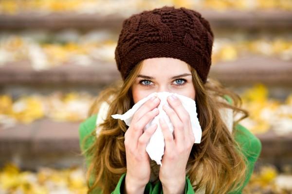 В период эпидемии гриппа нужно меньше трогать свое лицо