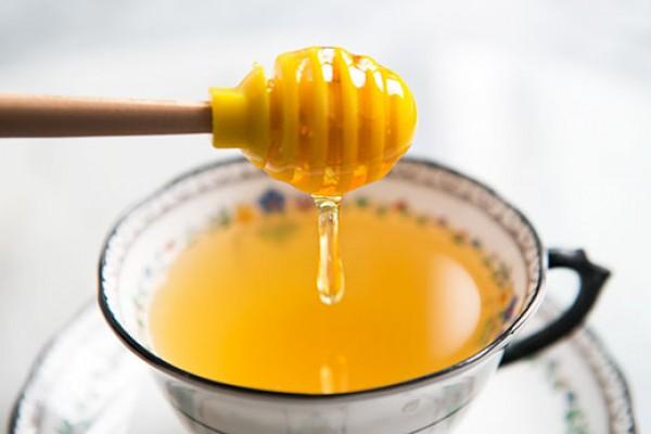 Зимний напиток с медом и лимоном