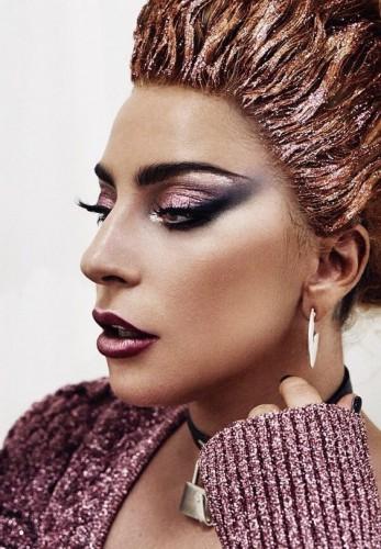 Леди Гага и скотч