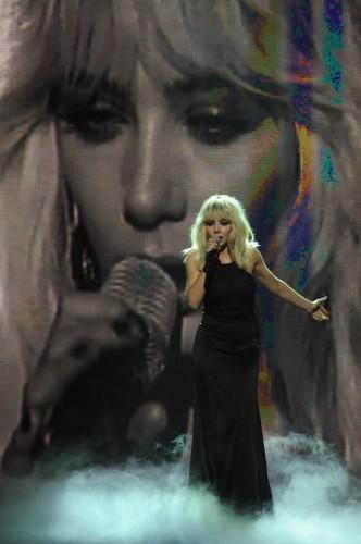 Тина Кароль выступила на Славянском Базаре под фоногорамму