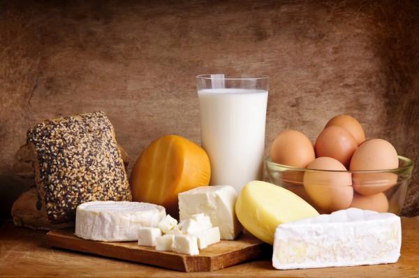 Молочные продукты с высокой жирностью нужно дозировать