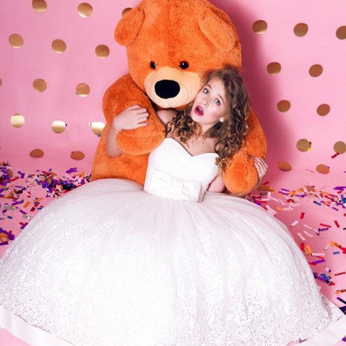 София примерила свадебное платье