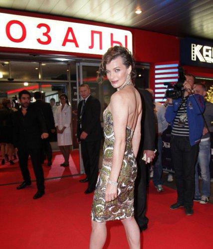 Милла Йовович много шутила в Москве
