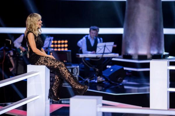 Тина Кароль пришла на эфир в прозрачном платье