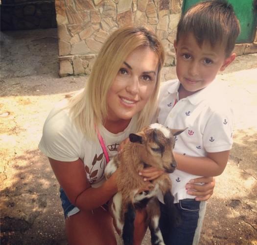 Яна Клочкова посетила ялтинский зоопарк