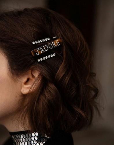 Прическа на выпускной 2019: Интересные идеи для длинных и коротких волос