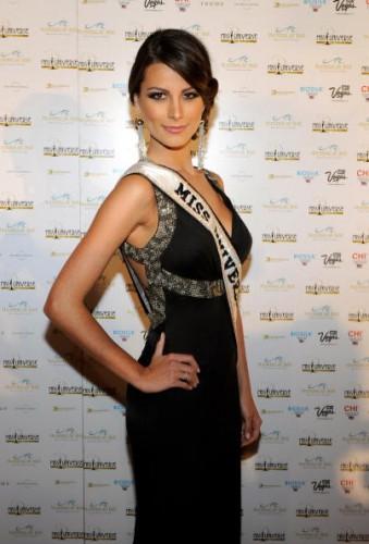 Стефания Фернандес