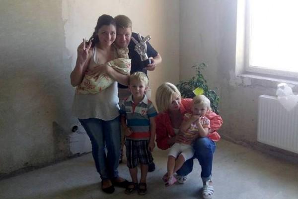 Победитель шоу Голос країни 5 Антон Копытин со своей семьей