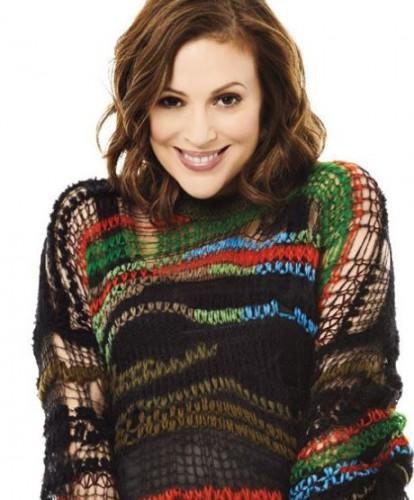 Алисса Милано в любимом свитере