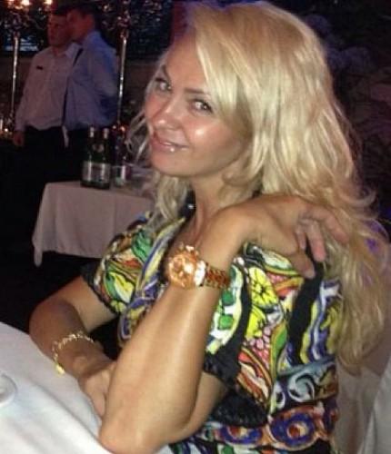 Яна Рудковкая нарастила волосы