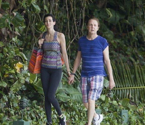 Пол Маккартни сейчас в отпуске со своей супругой