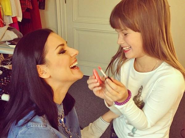Маша Ефросинина с дочкой Наной