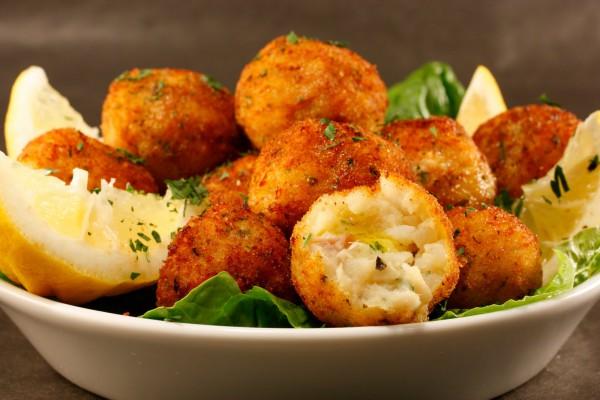 Рецепт                  Рыбные шарики с чесночным соусом