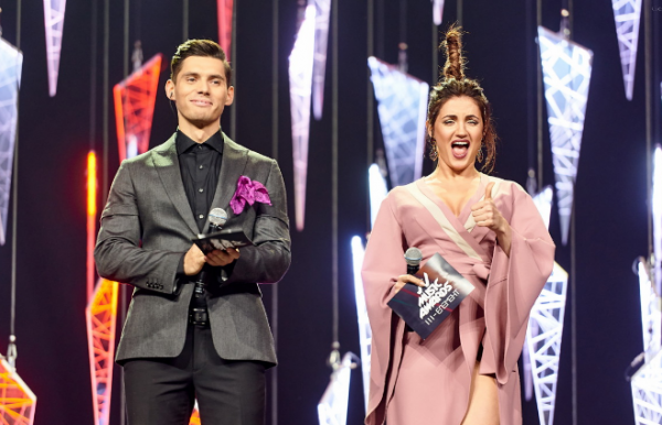 Оля Цибульская на M1 Music Awards