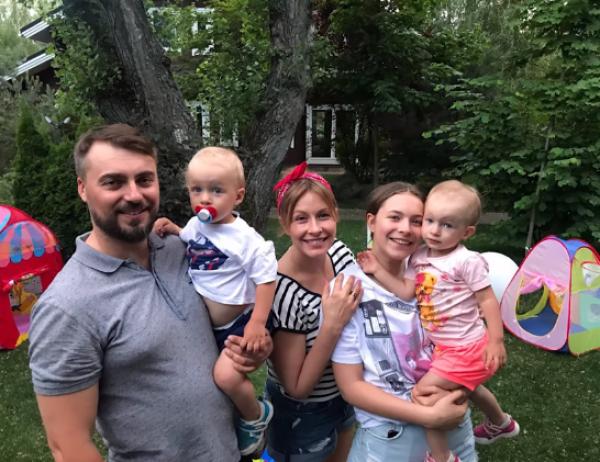 Елена Кравец впервые показала своих детей