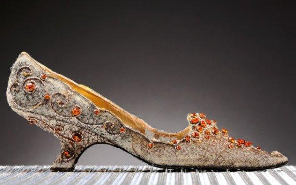 Туфли, сделанные для иранской принцессы Сорайи