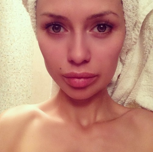 Виктория Боня показала лицо без макияжа