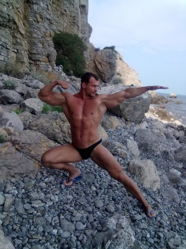 Михаил Мостовой активно занимается спортом