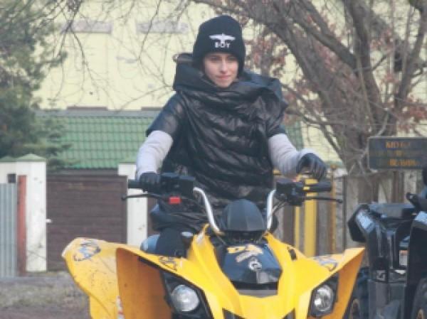 Внучка Софии Ротару прокатилась по окрестностям Конча-Заспы на квадроцикле